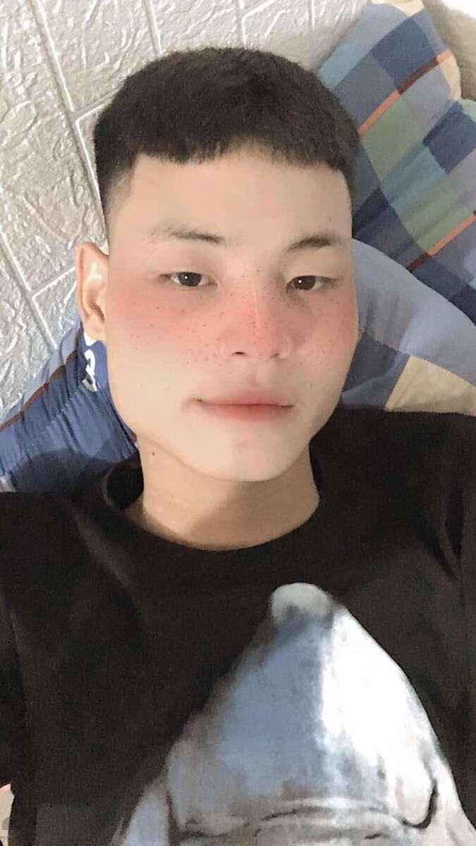 Nguyễn Việt Hoàng